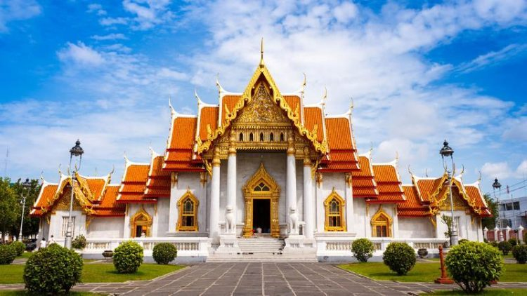Feel the Midas Touch at Wat Traimit