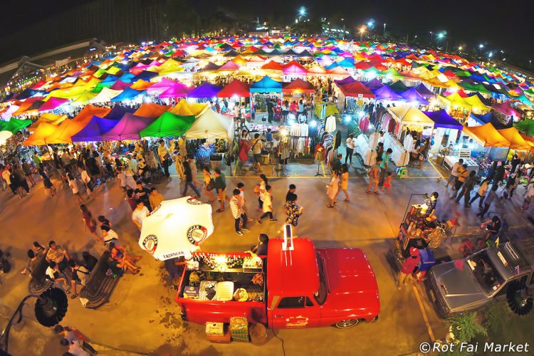 Explore the Labyrinthine Bangkok Night Markets