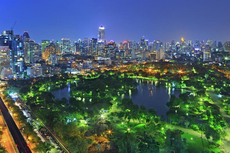 Take the Scenic Route through Lumphini Park