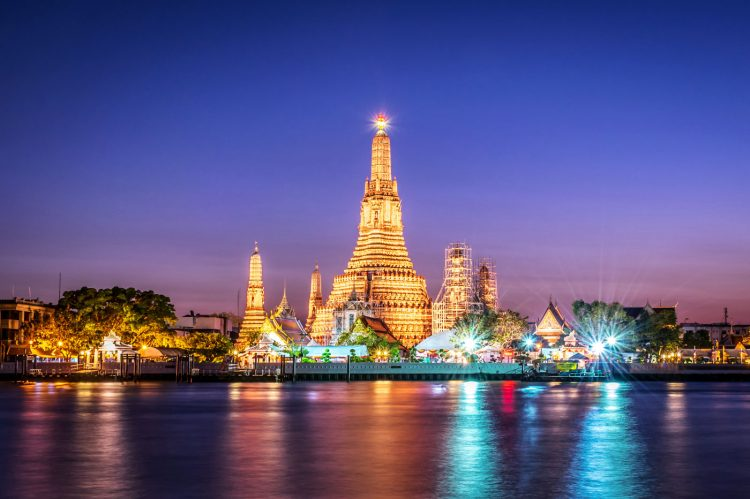 Climb the Stunning Wat Arun