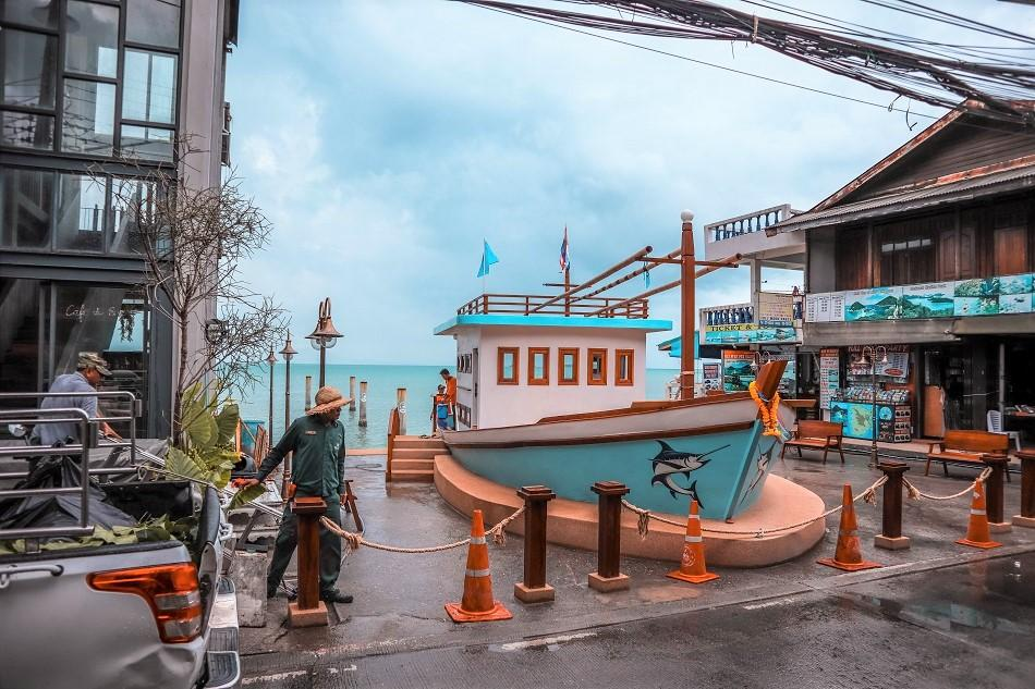 Take a stroll across the Fisherman's Village