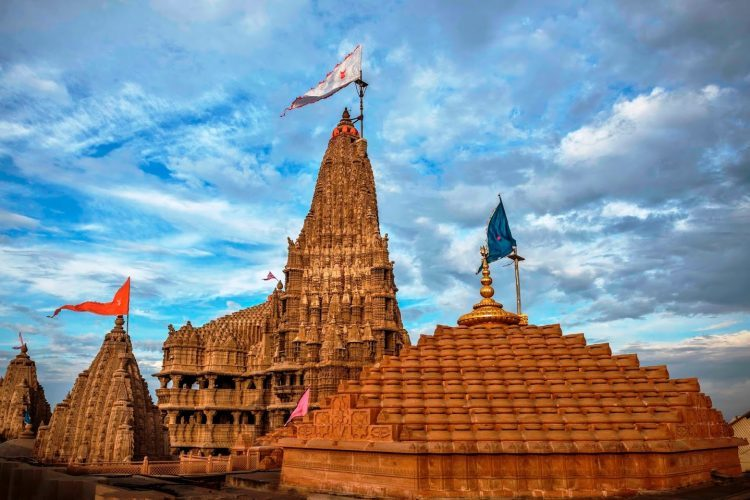 enchanting Dwarkadhish Temple