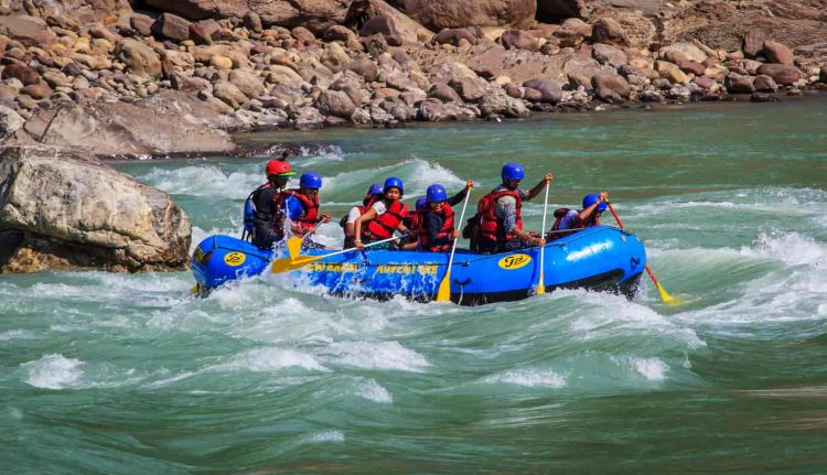 River rafting at Tista river