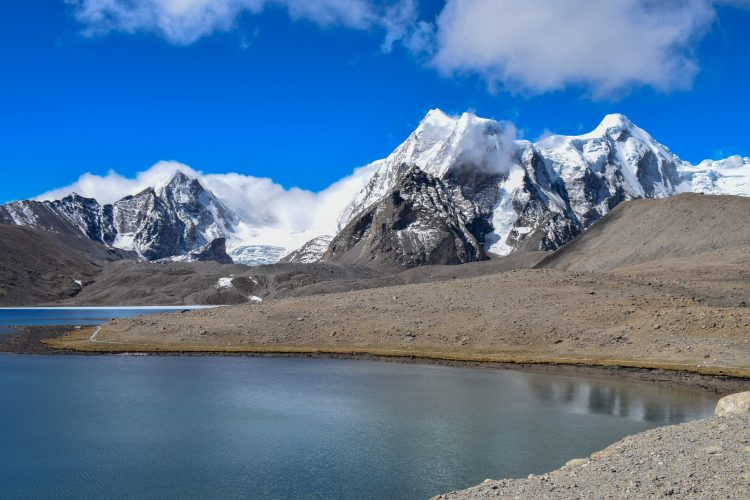 Sightseeing at Gurudongmar lake