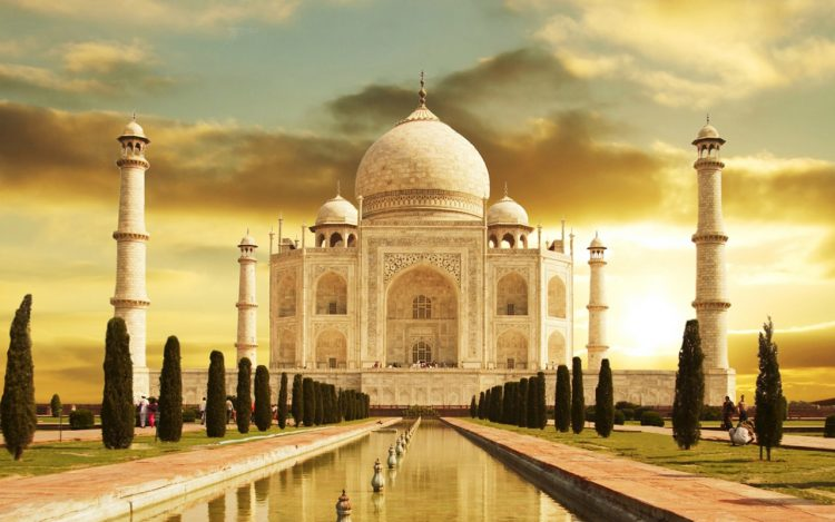 Agra - Tourist Places in India
