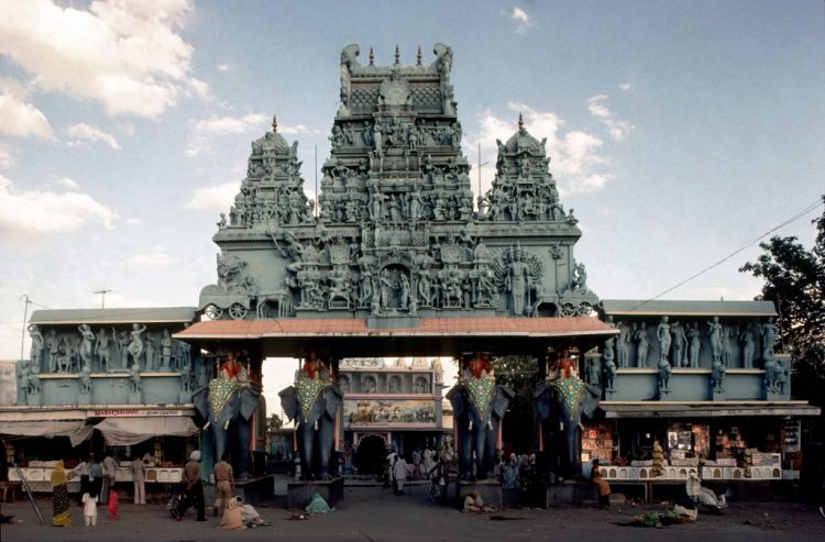 Witness Spiritualism at the Annapurna Temple - Things to Do in Indore, India