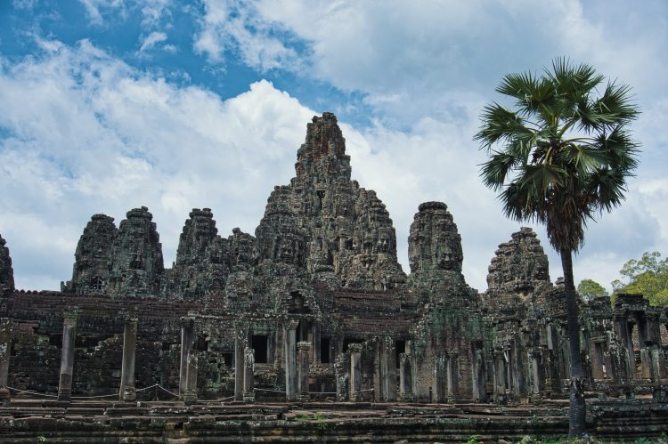 Angkor Thom (Bayon)_10 Amazing Siem Reap Temples You Should Visit