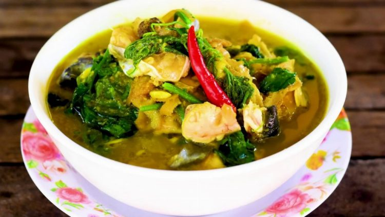 Samlor Kokor_ Phnom Penh Food | Delicious Khmer Food You Should Try