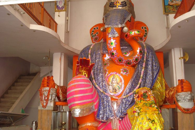 Get Yourself Mesmerized by the Bada Ganpati - Things to Do in Indore, India