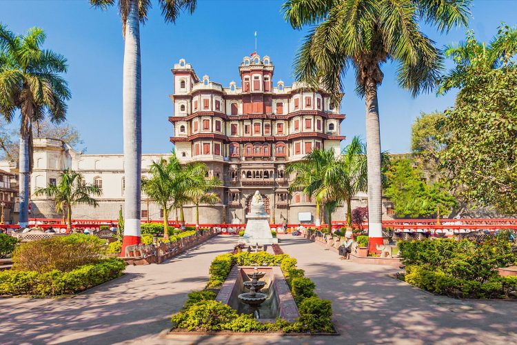 Visiting the Beautiful Rajwada Palace - Things to Do in Indore, India