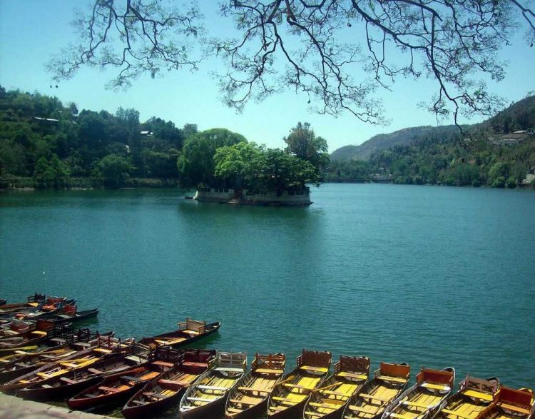 Boat ride at Ramgarh Lake - Things to Do in Jaipur, India