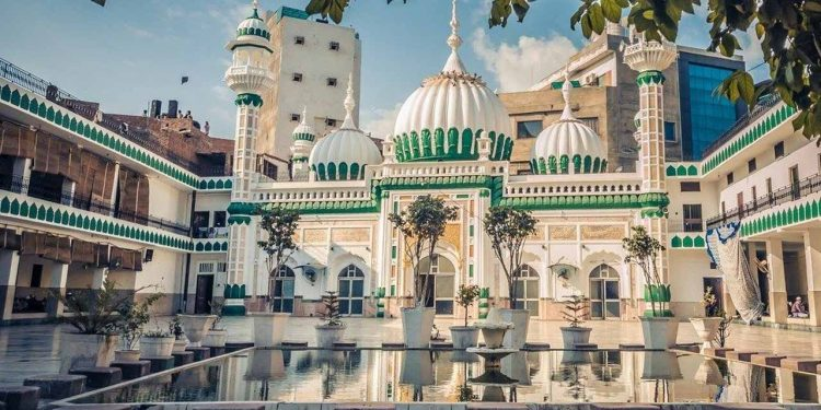 Khair-ud-Din Masjid - Top 30 Places to Visit in Amritsar