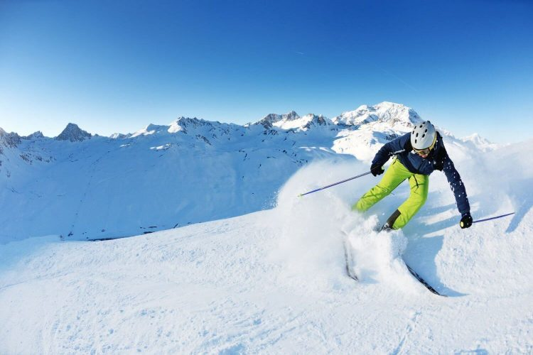 Skiing at Auli - Things to do in Uttarakhand