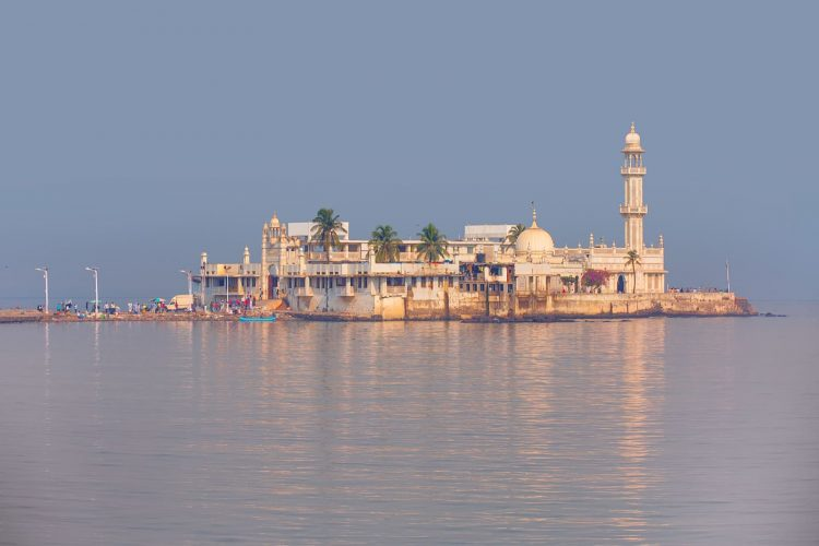 Haji Ali Dargah - Places to Visit in Mumbai