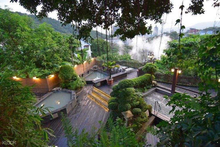 Take a Bath at Beitou Hot Spring