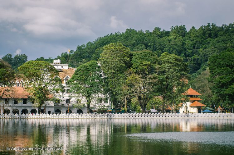 Kandy - Places to Visit in Sri Lanka