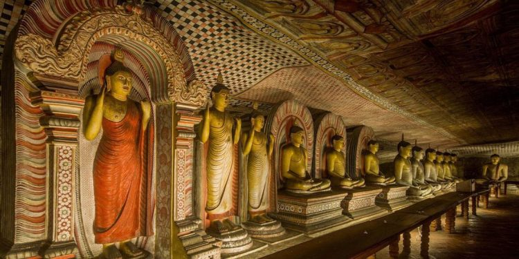 Dambulla Cave Temple - Places to Visit in Sri Lanka