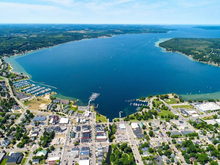 Charlevoix - Towns in Michigan