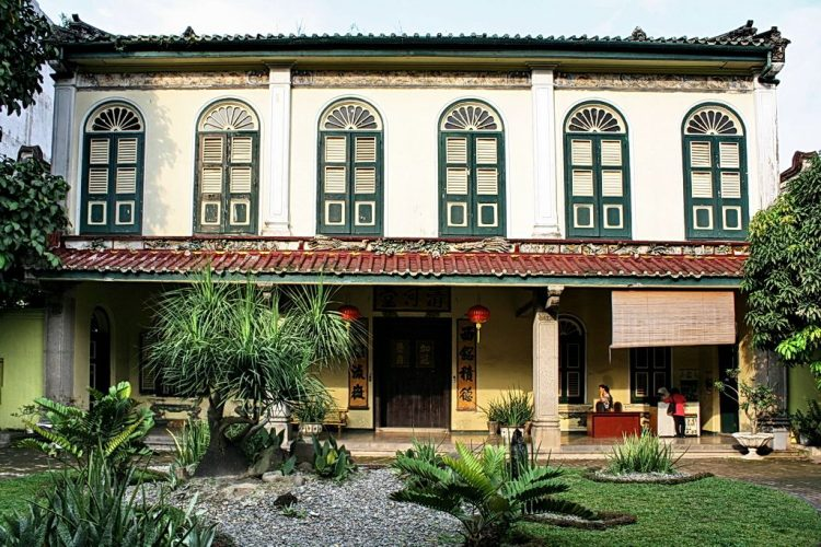Explore Tjong A Fie Mansion | 9 Best Things to Do in Medan