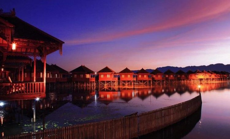 Dining at Khaung Daing Village | 10 Best Things to do in Inle Lake Region