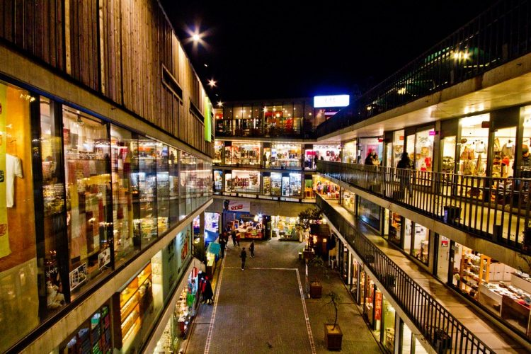Insa-dong - Places to Go Shopping in Seoul