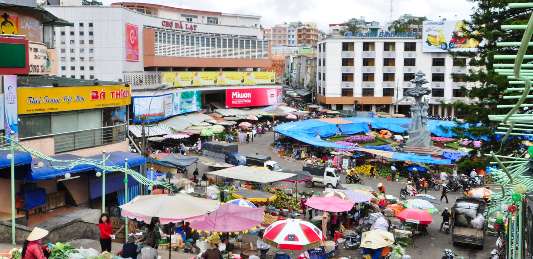Go for Regional Shopping at Dalat Market