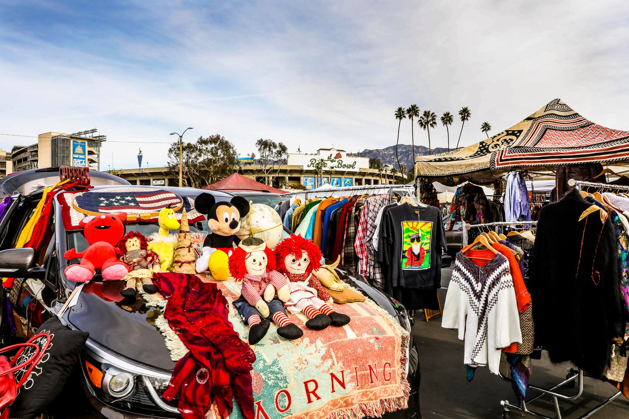 Rose Bowl Flea Market in Los Angeles