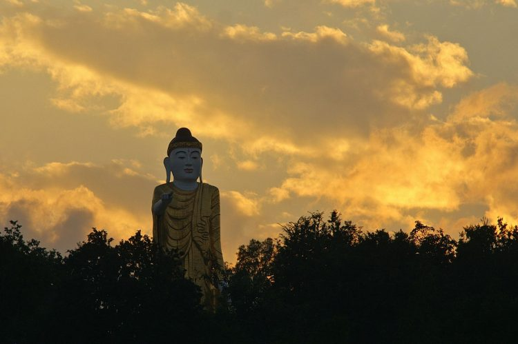 The beauty of the Buddha Statue | 10 Best Things to Do in Kengtung